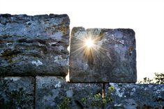 M  o   m   e   n   t   s   b   o   o   k   .   c   o   m: Στα Κυκλώπεια Τείχη ...Παιχνίδια με το φως ... (1)...