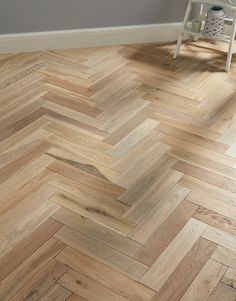 Oxford Herringbone Sandstone Oak displays an array of light brown tones to create an engineered wood flooring that will look perfect at home alongside highly sophisticated décor, a classic property, or rustic farmhouse. Engineered Wood, Cleaning Wood Floors, Wood Floors Wide Plank, Types Of Wood Flooring, Real Wood Floors, Wood Laminate Flooring, Rustic Wood Floors, Herringbone Wood