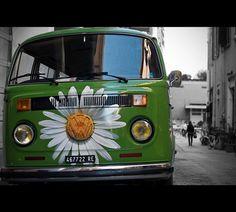 volkswagen van flower power