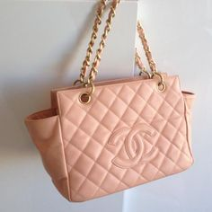 Tip: Chanel Handbag (Peachy Salmon)