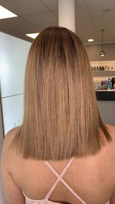 Highlights with a warm blonde tone Blonde Hair, Highlights, Long Hair Styles, Beauty, Shaving Machine, Barber Shop Names, Hairdressers, Dressmaking, Blondes