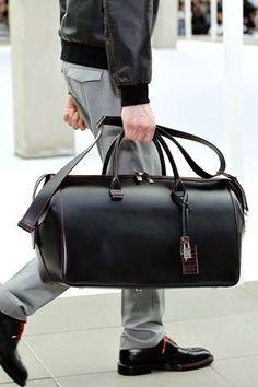 da2172fed8ba Leather gets better with age. Dior Homme Spring 2013 Hermès SS 2013 Versace  Fall Winter Men s Show Bottega Veneta - Moda U.