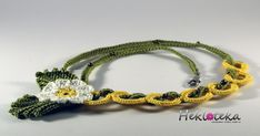 An absolutely romantic and captivating necklace. Crocheted with 100% cotton yarn.