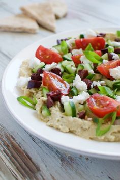 Greek Seven Layer Dip - Eating Made Easy Greek Yogurt Chicken Salad, Greek Quinoa Salad, Greek Salad Pasta, Greek Vegetables, Baked Vegetables, Healthy Snacks, Healthy Recipes, Delicious Recipes, Eat Greek