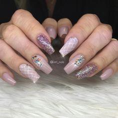 Light Pink Nails, Bling Nails, Nail Designs, Nail Art, Instagram Posts, Beauty, Nail Desings, Nail Arts, Beauty Illustration