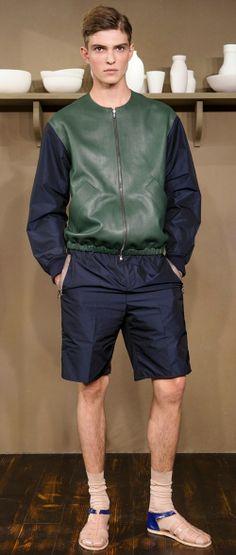 Костюм со спортивными шортами Carven