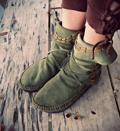 Green suede moccasins by gaiagypsyleathershop on Etsy