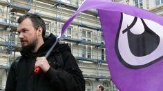 """Rick Falkvinge, fundador del primer Partido Pirata en Suecia, está eufórico. """"Rodeados de malas noticias, el cambio está de camino. El plan del partido pirata para cambiar el mundo avanza más rápido de lo esperado. Estamos en el punto de no retorno. Los represores de internet están a punto de perder su influencia sobre la agenda legislativa"""", declaró en su blog. cc @Enrique Dans @Mercedes Hortelano"""