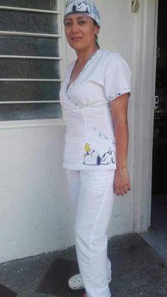Spa Uniform, Scrubs Uniform, School Uniform, Filipina, Dress Sewing Patterns, Scrub Tops, Dentistry, Blouse, White Jeans
