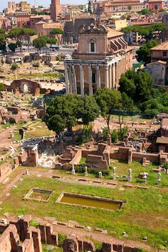 The temple of Antonius and Faustina. The Forum, Rome