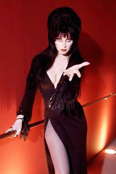 Elvira, Mistress of the Dark (Cassandra Peterson)