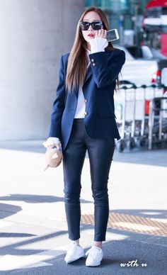 Jessica Jung at Icheon Airport Korean Fashion Trends, Korean Street Fashion, Asian Fashion, Airport Fashion, Krystal Jung Fashion, Jessica Jung Fashion, Jessica Jung Style, Snsd Fashion, Fashion 2017