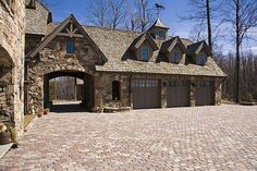 3 car garage with porte-cochere, like finish and roof design for alley entrance Carriage House Garage, Barn Garage, Garage Plans, Garage Workshop, Workshop Ideas, Dream Garage, Garage Workbench, 3 Car Garage, Porte Cochere