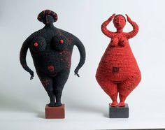 Artist of the day, March Yulia Ustinova, Russian crochet artist, sculptor Knit Art, Crochet Art, Crochet Dolls, Crochet Patterns, Doilies Crochet, Crochet Faces, Doily Patterns, Dress Patterns, Textile Sculpture