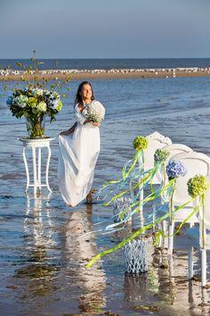 Beach Wedding - Hydr