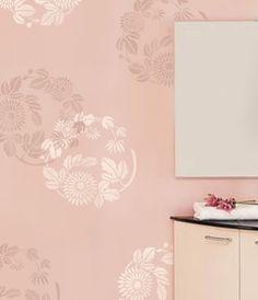 Erstellen Sie schöne Wände mit unseren wiederverwendbaren Wand Schablonen!  Diese wunderschöne Schablone Chrysanthemum Twist gehört zu unserer Japanisch Mo inspiriert Schablone Designs. Anmutige Blumen und Tier Designs wie diese dienten als Familie Wappen (oder Mons) im alten Japan. Sie konnte auf Möbel, Textilien und verschiedenen Haushaltsgegenständen gefunden werden. Jetzt können Sie Ihre Wände, Kissen und sogar T-shirts mit diesen eleganten Schablone Designs verschönern. Großen allover…