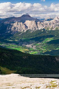 Cortina d'Ampezzo - Dolomiti - Dolomites ITALY © Roberto Casanova R
