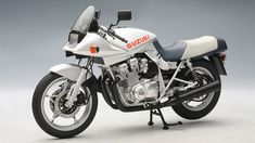 Suzuki Katana - I don't think there was ever a tank/seat/tail combo as beautiful as this ever since. the exposed subframe is gorgeous, and the weird duckface even makes sence when seeing everything at once