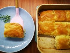 Μαμαδίστικη τυρόπιτα από την εκπομπή Αλήθειες με τη Ζήνα Spanakopita, Cornbread, Cheese, Cooking, Ethnic Recipes, Food, Millet Bread, Kitchen, Essen