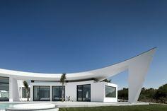 House Colunata (Algarve, Portugal) Architect: Mario Martins
