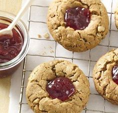 PB&J Breakfast Cookies - Now who doesn't want a cookie for breakfast?! Yum!
