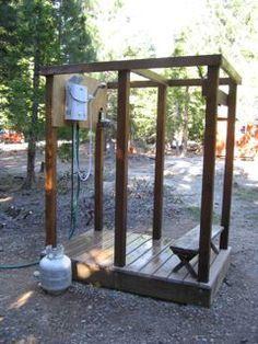 Super diy outdoor shower with garden hose Ideas Outdoor Baths, Outdoor Bathrooms, Diy Shower, Shower Floor, Shower Ideas, Camp Shower, Bathroom Showers, Lavabo Exterior, Douche Camping