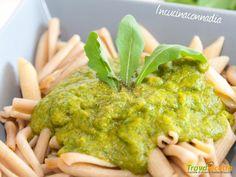 Salsa con rucola e curry: ideale per condire pasta, riso e carni  #ricette #food #recipes