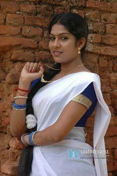 Indian Actress Images, Actress Photos, Indian Actresses, South Indian Heroine, South Indian Actress Hot, Indian Girl Bikini, Indian Girls, Beautiful Girl Indian, Beautiful Saree