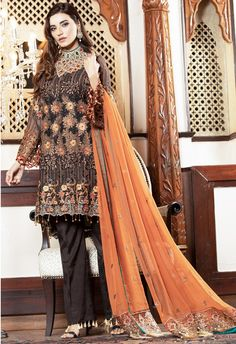 Wedding collection luxury chiffon suits Unstitched Rs 8500 Stitched Rs 11000 Free delivery nationwide International Shipping service available DM for more information Pakistani Dresses Online, Pakistani Suits, Indian Suits, Clothing Studio, Pakistani Street Style, Eid Collection, Pakistani Designers, Chiffon, How To Wear