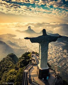 Christ the redeemer view ✨ Rio de Janeiro, Brazil. Photo by Christ the redeemer view ✨ Rio de Janeiro, Brazil. Photo by Voyager Malin, Places To Travel, Places To See, Travel Stuff, Travel Destinations, Time Travel, Wonderful Places, Beautiful Places, Christ The Redeemer Statue