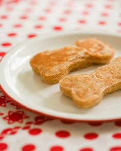 Doggie Pancakes: Great recipes and more at http://www.sweetpaulmag.com !! @sweetpaul