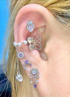 Ear Jewelry, Cute Jewelry, Body Jewelry, Jewelery, Bling, Pretty Ear Piercings, Accesorios Casual, Cute Earrings, Peircings