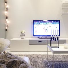 This evening is all about the icehockey #myhome #nordichome #nordiskehjem #ikea #interior #inredning #inspiration #interior4all #homedecor #hltips #nuortenmmkisat2016 #icehockey #etuovisisustus #jääkiekko by lottisplottis