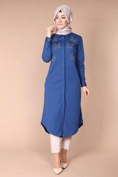 Kelebek Detay Tunik İndigo Ürün kodu: UKB2004 --> 49.90 TL Abaya Fashion, Modest Fashion, Fashion Dresses, Hijab Dress Party, Hijab Outfit, Trendy Dresses, Nice Dresses, Modele Hijab, Kurta Designs