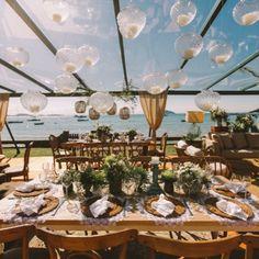 Se você quer casar na praia, vai amar essa decoração! Table Decorations, Wedding, Furniture, Home Decor, Wedding On The Beach, Weddings, Casamento, Homemade Home Decor, Home Furnishings