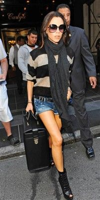 remember people she is a mother!WOW  #fashion#victoria beckhan