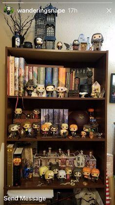 Harry Potter Display, Décoration Harry Potter, Harry Potter Bedroom, Harry Potter Artwork, Harry Potter Images, Harry Potter Anime, Hogwarts, Collection Harry Potter, Funko Pop Display