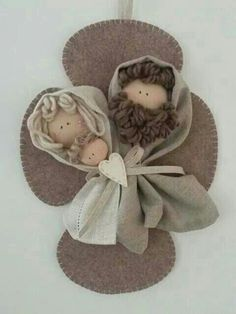 Burlap Christmas, Christmas Sewing, Christmas Bells, Diy Christmas Ornaments, Felt Christmas, Christmas Projects, Holiday Crafts, Nativity Ornaments, Nativity Crafts