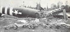 Airspeed Horsa and it's crew after crash landing in Cherbourg Normandy June 1944 Battle Of Normandy, D Day Normandy, Normandy Invasion, Normandy France, D Day Invasion, 82nd Airborne Division, Parachutes, Sainte Marie, Paratrooper