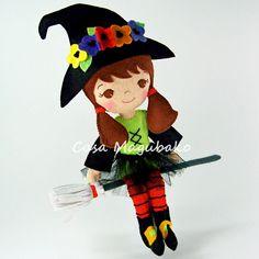 Felt Witch Doll Sewing Digital Pattern - PDF File Tutorial - DIY Bendable Doll - Casa Magubako