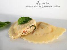 Ravioles à la ricotta, basilic et tomates séchées