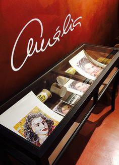 É com muita honra que anunciamos que  os nossos produtos encontram-se à venda  na CASA MUSEU AMÁLIA RODRIGUES! /  3ª a Domingo - 10h-13h / 14h-18h Rua de Sao Bento 193 Lisboa Portugal 1250-219 Lisboa Museum Store, Torn Paper, Collage Artists, Shape And Form, Lisbon, Postcards, Magnets, Art Pieces, Portraits