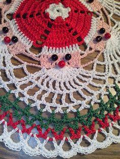 Santa Doily Maria's Creations