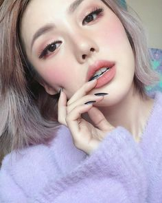 She's being my idol right now. Cuz, her make up its so Amazing!s She's being my idol right now. Cuz, her make up its. Korean Makeup Look, Korean Makeup Tips, Korean Makeup Tutorials, Korean Makeup Products, Korean Wedding Makeup, Asian Makeup Looks, Make Up Looks, Makeup Trends, Makeup Ideas