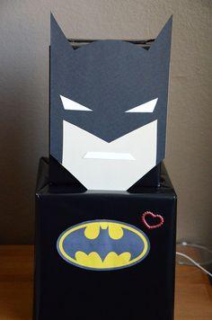 DIY Batman Valentine Card Box for Boys! See more Valentine card box ideas on . Unique Valentine Box Ideas, Valentine Day Boxes, Valentines Day Party, Valentine Day Crafts, Valentine Stuff, Homemade Valentines, Kinder Valentines, Valentines For Boys, Batman Valentine