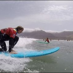 #surfkids #surflessons #lanzarotesurf #surfcamp #surfcamplanzarote #surfcanarias #surfcours #surfday #Surfing #surfschool #surfschoollanzarote #lanzarote #Famara #lasantasurfprocenter #swell #waves #Surfing #lasantasurf @lasantaprocenter @monchilasanta @albertlasantasurf