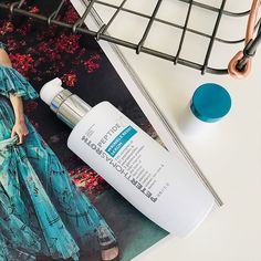 Peter Thomas Roth Peptide 21 Collection Wrinkle Resist Serum lightly moisturizes to reduce fine lines and wrinkles, dryness, and loss of firmness and elasticity.
