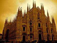 Duomo di Milano..oh the architecture...........