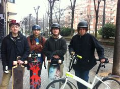 USA students enjoying Pil Pil Hostel's style, they rented our bicycles and basked in the city #bilbao #hostel #pilpil #www.pilpilhostel.com www.pilpilhostel.com