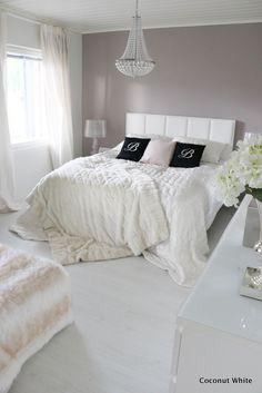 Viimeisiä makuuhuonetunnelmia tässä kodissa...Home SweetHOME. Your Own CHOICE, END GAME. U Know What to DO? SEE U